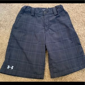 🎀3/$25🎀 Under Armour YLG (14-16) plaid shorts